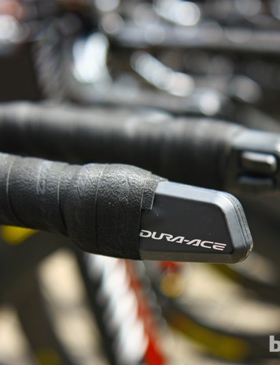 Shimano Dura-Ace Di2 shifters for Denis Menchov. Canyon have elected to make the Speedmax CF Evo compatible with electronic drivetrains only