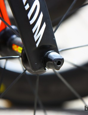 Canyon include an adjustable-rake fork on the Speedmax CF Evo. Denis Menchov has his bike set up for quicker handling