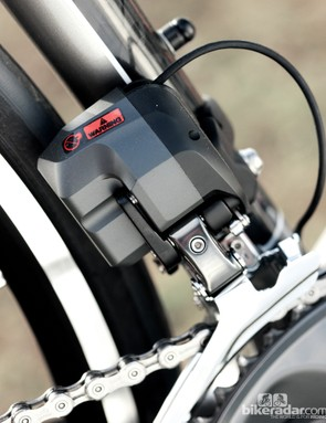 The Ultegra Di2 front mech adjusts automatically to avoid chain rub