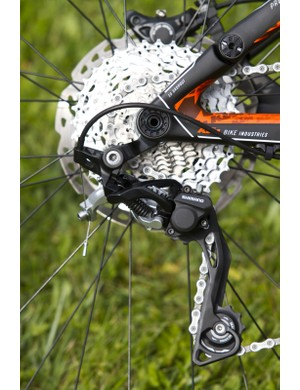 Current practice in the industry is met and surpassed yet again on the Scarp 29er