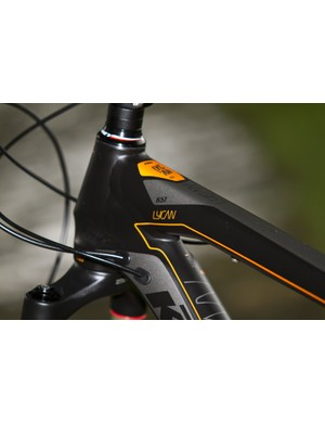 Internal cables look smart and keep the frame looking fresh, easy to clean too!