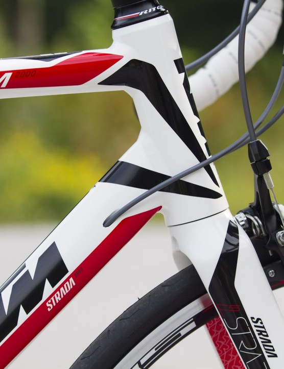 Internal cable routing and fork to frame design leave a highly finished product on the Strada