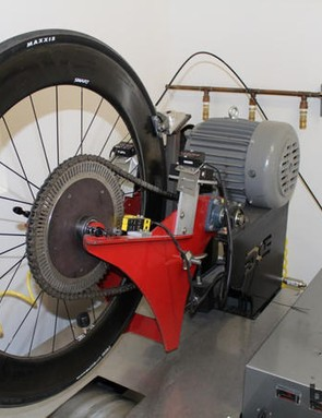 With their carbon clincher test machine, ENVE monitors rim temperature and rim width while controlling wheel speed, brake force, brake power, motor torque and motor power