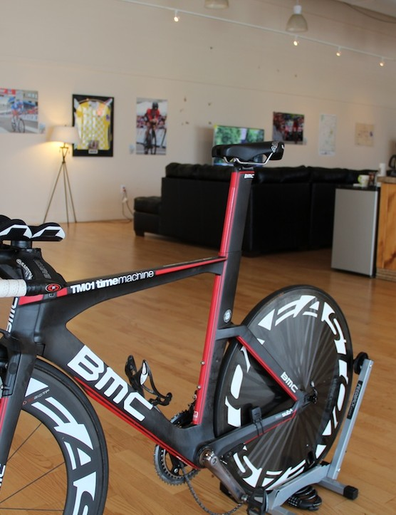 Giro d'Italia prologue winner Taylor Phinney's BMC TT bike (and yes, his chain appears to have been Schleck'ed))