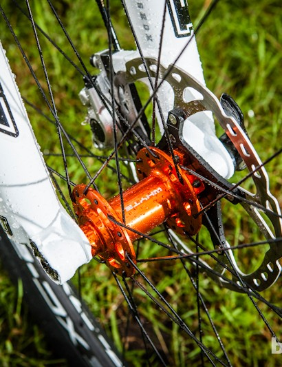 Fox 15mm axle forks and Shimano XT brakes keep the big-wheeled speed under control on the Team