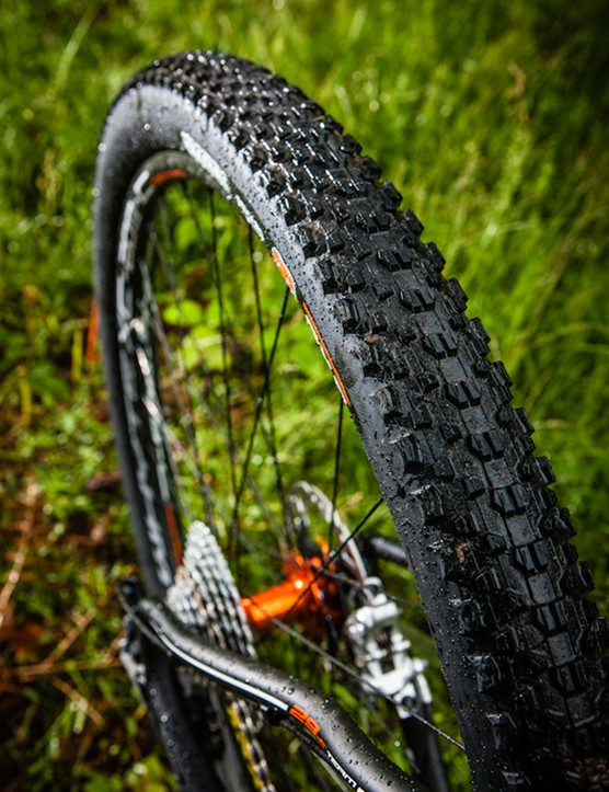 Maxxis Ikon 2.2in tyres are great go-fast 29er rubber, so it's great to see them as original spec on a lot of bikes in the Whyte line-up