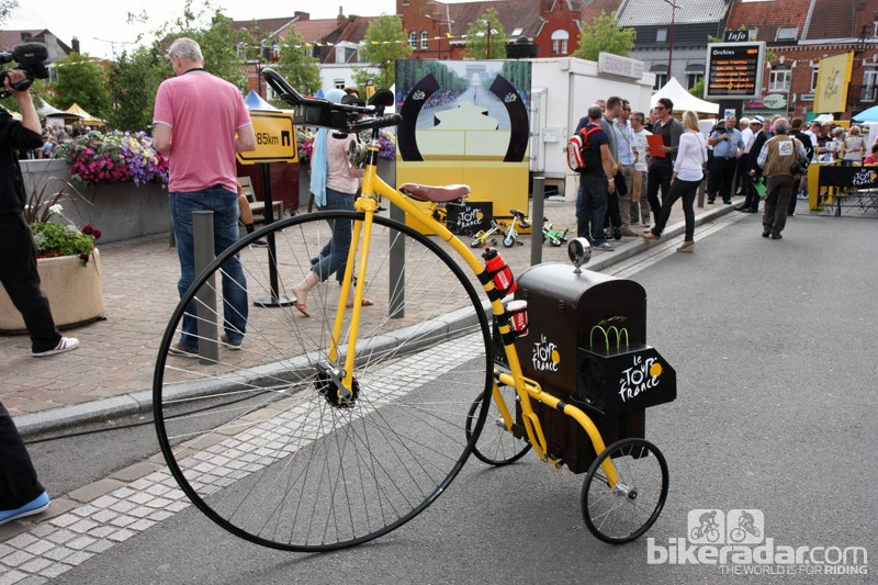Aerobars are just the thing to help this three-wheeled penny farthing cut through the wind.