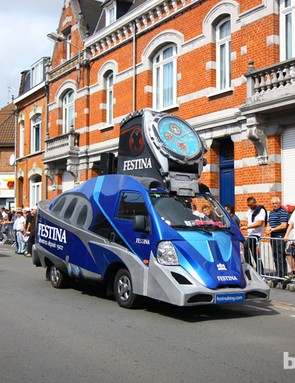 Festina appears to use the same caravan vehicles each year.