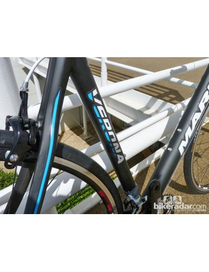 The frame on the Marin Verona weighs a claimed 900g
