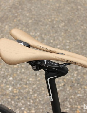 The Dura comes equipped with carbon seat rails