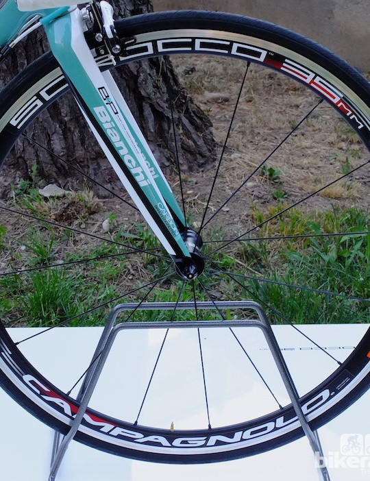 The new front Campagnolo Scirocco wheel