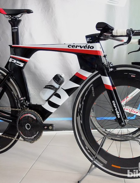 A Cervélo P5 built with Super Record EPS and the new time trial brake and bar-end shifters