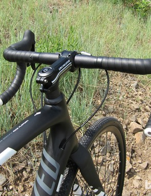 Specialized's Expert shallow drop bar works well on the Crux