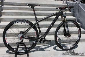 Felt has completely revamped its Nine carbon and aluminum hardtails for 2013.