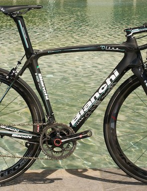 The Bianchi Oltre XR in matte and gloss black, with mechanical Campagnolo Super Record