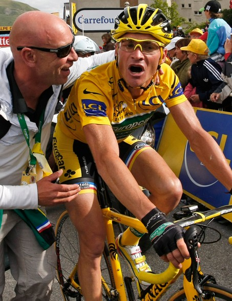 Voeckler gasps for air after losing the yellow jersey at the end of stage 19 of the 2011 Tour de France