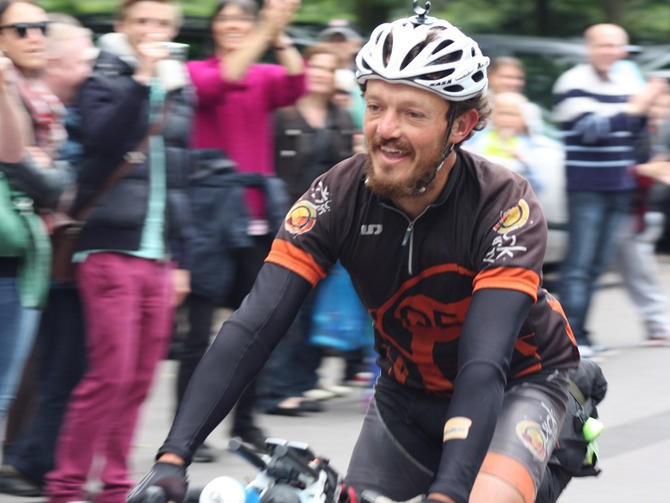 Round-the-world record-breaker Mike Hall will share his experiences of his 91-day effort