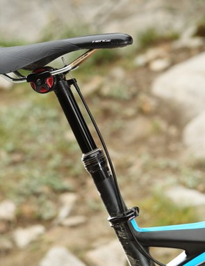 Specialized's Command Post BlackLite features three fixed positions