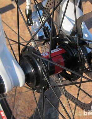 DT Swiss 240s hubs front and rear were trouble-free throughout testing, with a smooth roll and positive engagement. We would have preferred Rocky Mountain request the faster-engaging 36-point ratchet rings, though