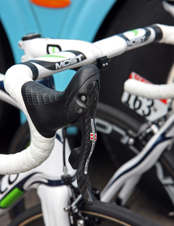Campagnolo has done an admirable job of matching the hood shape of the electronic groups to the mechanical ones.