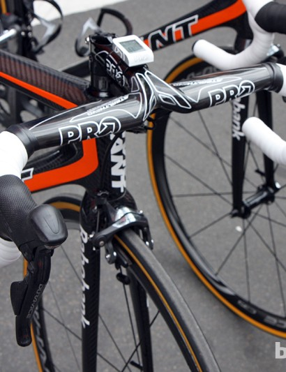Rabobank team bikes utilize a wide range of PRO cockpits. This Stealth Evo integrated setup suggests the steerer tube utilizes a smaller 1 1/8