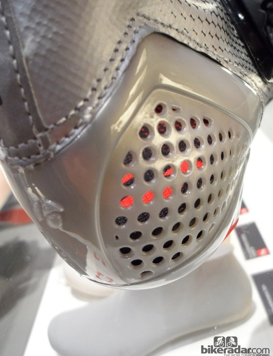 The RXXXL's heel cup