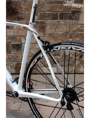 The S-bend seat stays are wide and thin for an impressively smooth and lively ride quality
