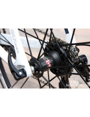 The Campagnolo Shamal 2-Way Fit tubeless-compatible aluminum clincher wheels on the Diamondback Podium 6 Campy are rare on a production bike. Hub quality on similar test wheels has been outstanding in the past