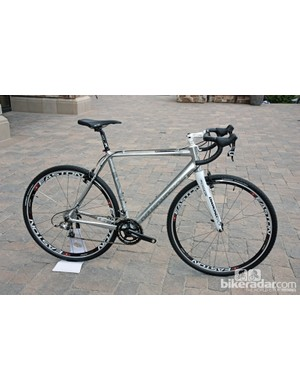 The Steilacoom RCX Pro V is Diamondback's top cyclo-cross bike for 2013, with a retail price of US$3,200