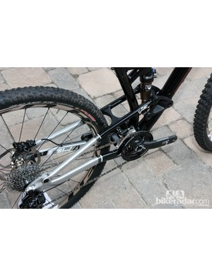 A stout seat stay bridge helps keep the rear end from wagging excessively on Diamondback's new Mason FS 29er
