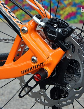 The geared dropouts are made of molded carbon fiber on Pivot's new Les hardtail