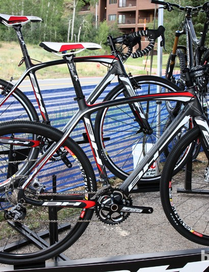 BH's clever new RX Team CX frame can be used with either rim brakes or disc brakes with convertible 130/135mm rear hub spacing