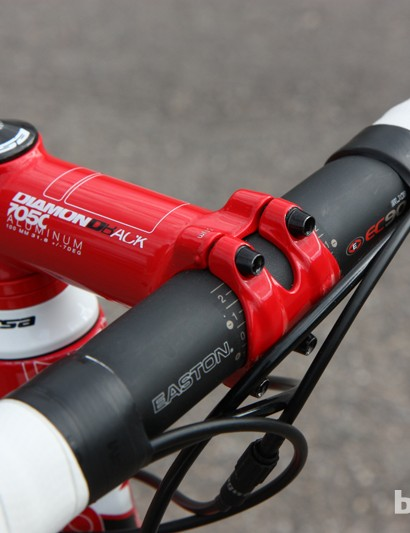The Easton EC90 SLX carbon fiber bar is paired with Diamondback's own forged 7050 aluminum stem