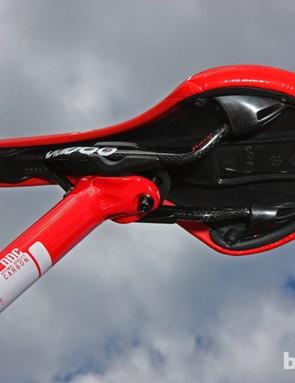 The Prologo Zero Nack saddle features carbon fiber rails
