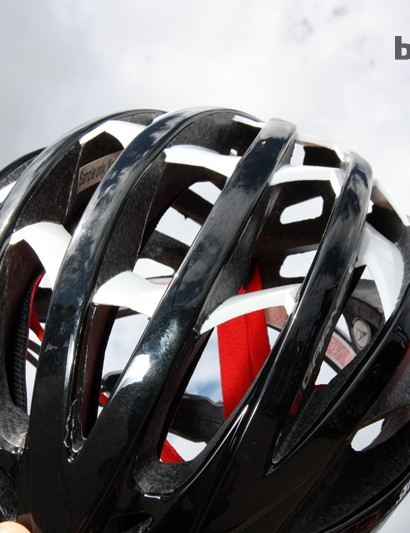 The new Louis Garneau Course helmet is built with longitudinal channels that are virtually uninterrupted from front to back. Louis Garneau says CFD analysis has shown the new helmet to be more aerodynamic than previous offerings but if nothing else, it looks to be very good as passing cooling air across a rider's head