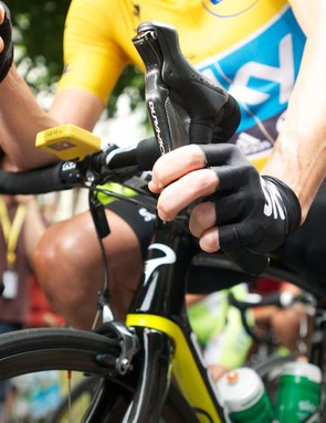 Wiggins won the race with Shimano Dura Ace Di2 on the road stages