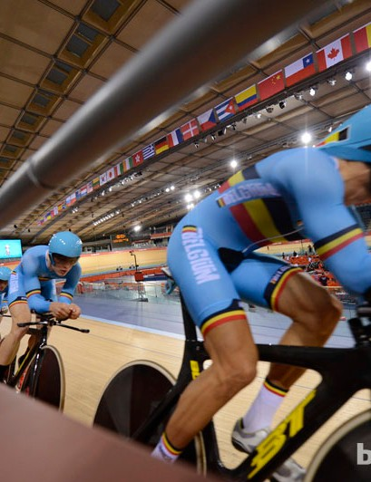 The Belgian pursuit team taking it close to the barriers