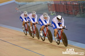 The Russian team pursuit get into it