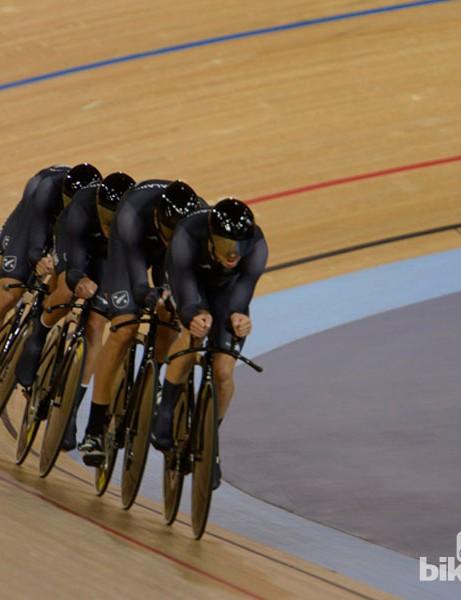 The Kiwi pursuit team wind it up