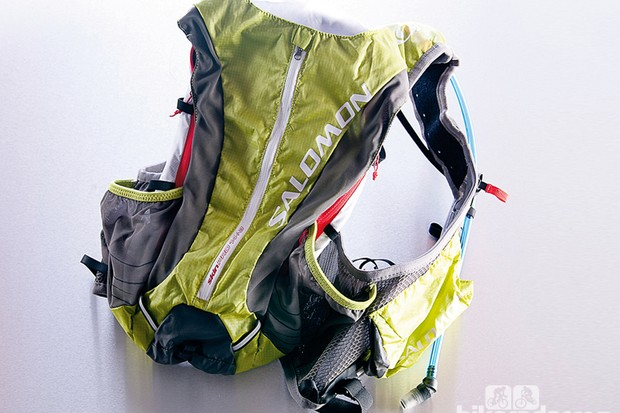 Salomon Skin Pro 14+3 hydration pack