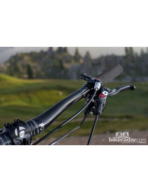 Wide, low bars and a dropper post remotes deliver on the fly control when you want it