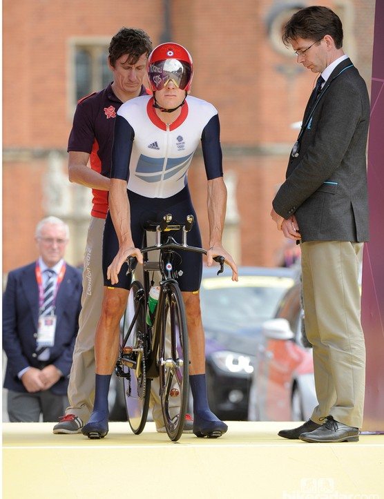 With Cancellara and Martin both nursing injuries, Wiggins started the day as the favorite