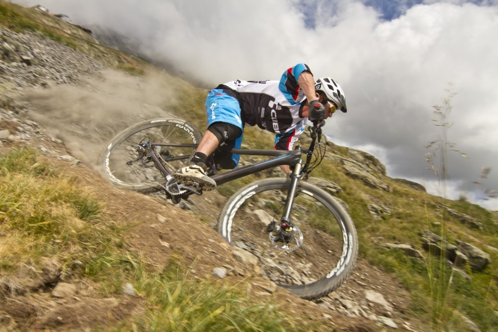 Alex Rafferty rides the 2013 Cube Stereo 140 29er