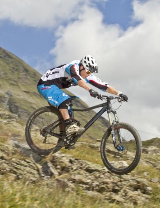 Alex Rafferty rides the 2013 Cube Stereo 650B