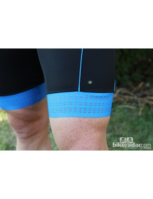 The perforated cuffs are made of one-way stretch Lycra