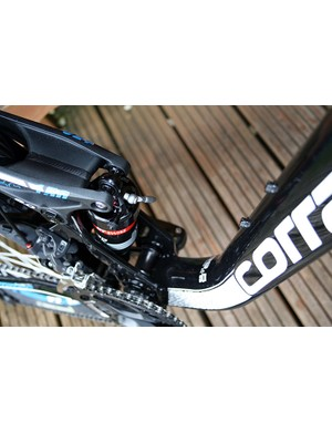 The DT Swiss XM 180 shock on the Corratec Opiate