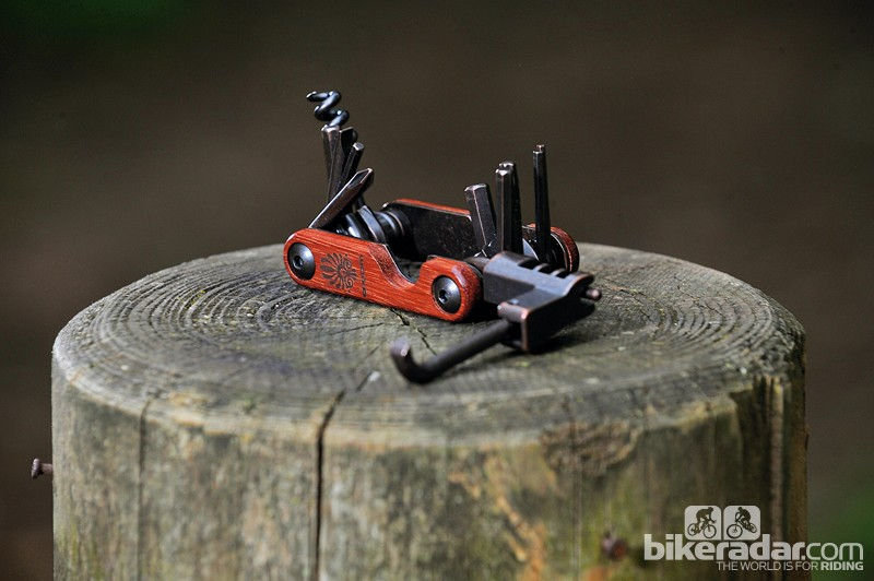 Axiom Corker Deluxe 13 multi-tool