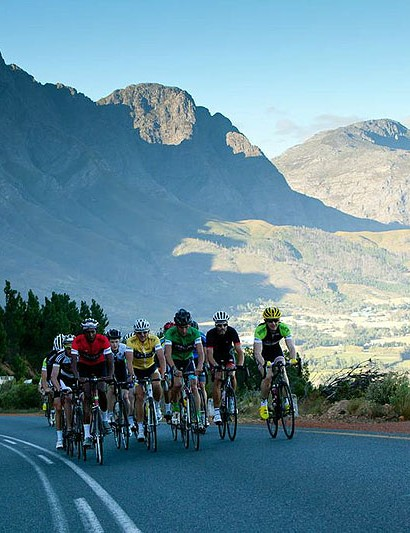 The mountain pass leading out of Franschhoek is a tough first thing in the morning