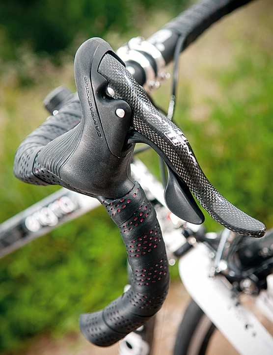 The Athena hoods are comfortable to ride on, the levers are carbon fibre