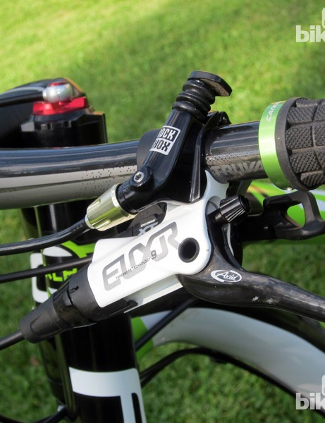 The Avid Elixir 9 disc brakes started out with a slightly spongy lever but the feel improved enormously once the tiny air bubbles in the system migrated into the reservoir. The hydraulic fork lockout is operated by RockShox's XLoc lever